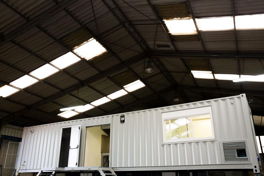 Am nagement container base vie atelier pour sncf for Conteneur pour renovation