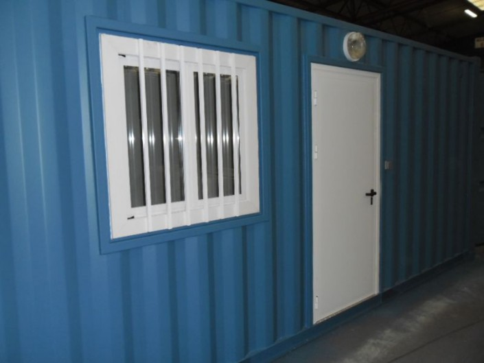 Container am nag les menuiseries for Barreaux de fenetre