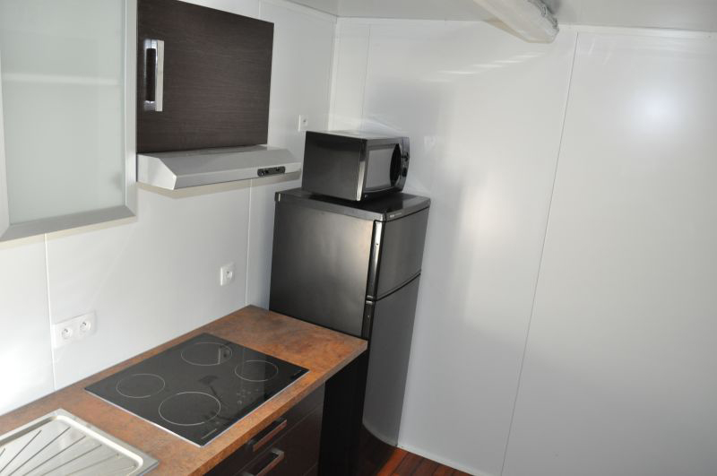 container am nag les cuisines. Black Bedroom Furniture Sets. Home Design Ideas