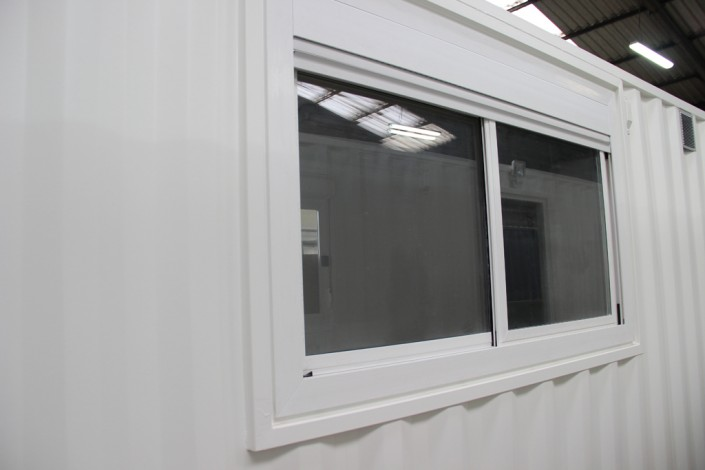 Container am nag les menuiseries for Grandes fenetres